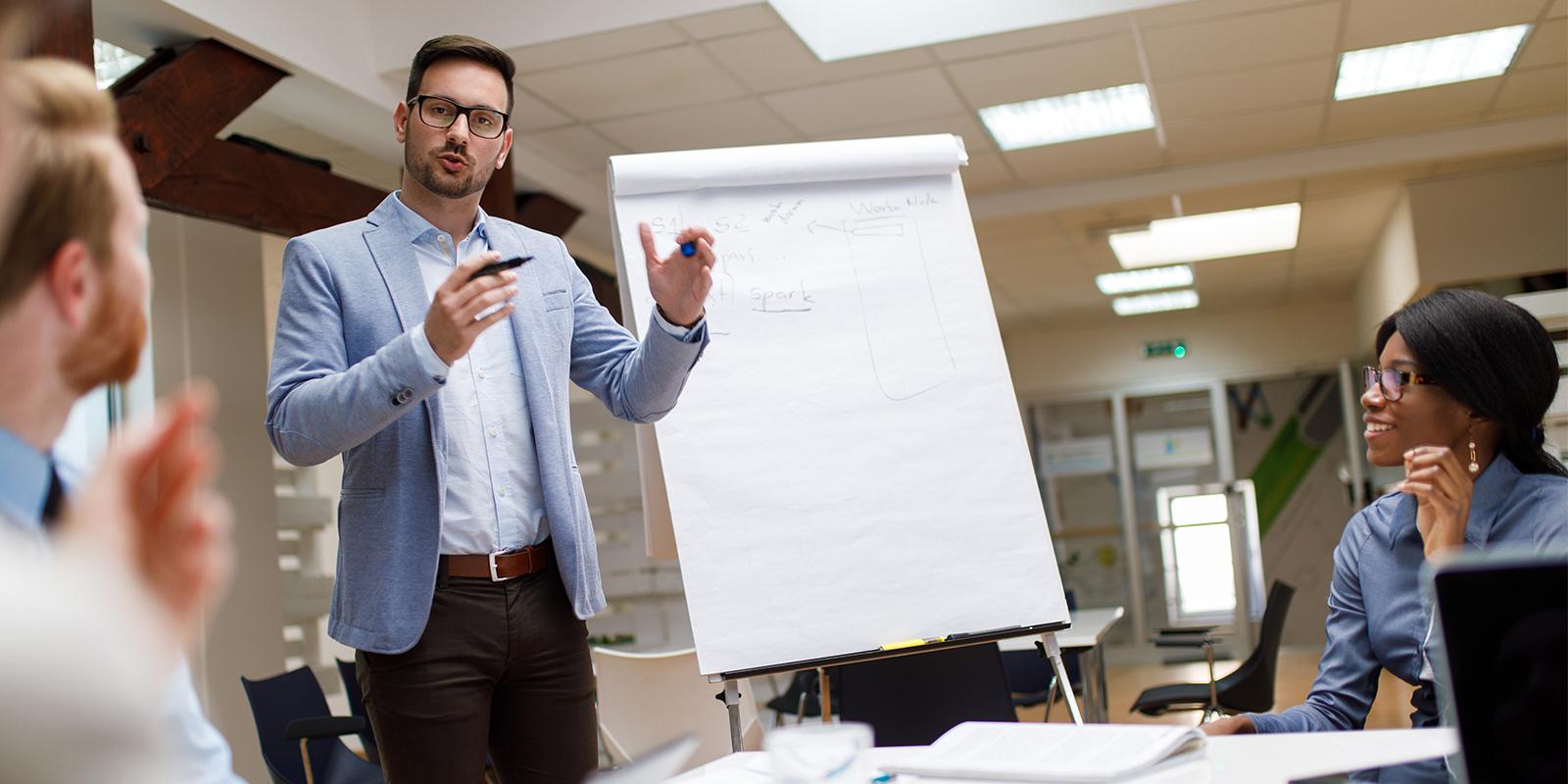 HubSpot sales tools convert leads